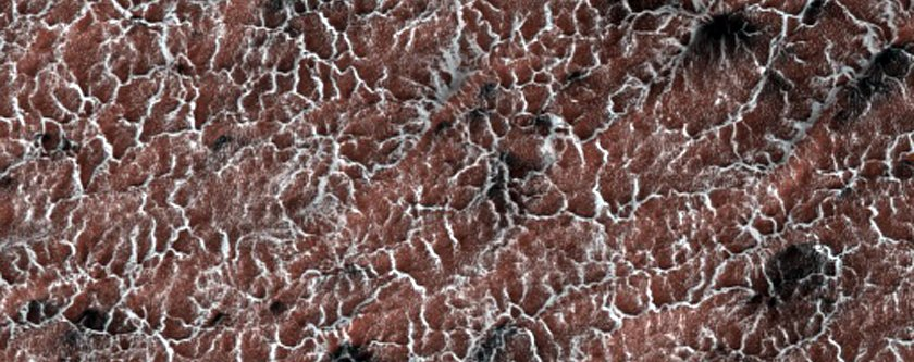 spiders-are-eruptions-of-dust-caused-by-the-way-the-martian-surface-warms-and-cools