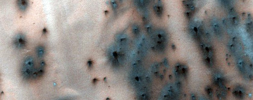the-creation-of-fans-around-dunes-may-help-scientists-understand-seasonal-changes-on-mars
