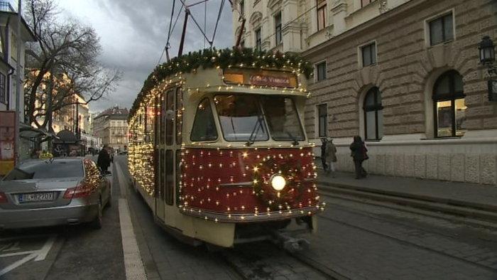 cnl7-vianocna_elektricka_v_bratislave