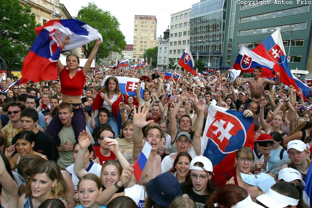 slovaks-celebrating-ice-hockey-championship-victory