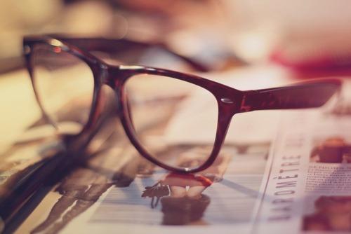 cool-fashion-glasses-magazine-nerd-glasses-favim-com-183302