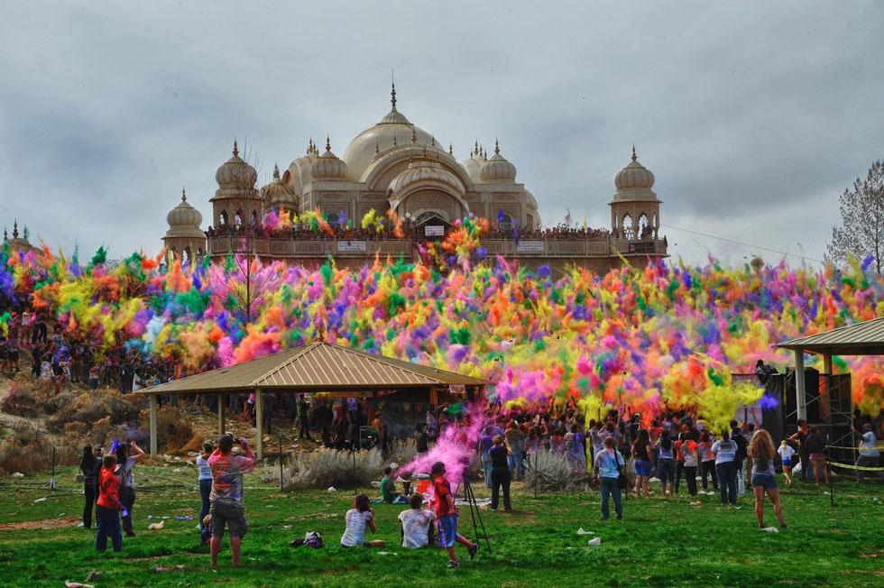 14-incredible-india-holi-festival