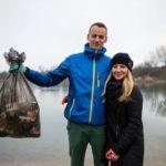 Keď uvidia na zemi odpadky, neodvrátia zrak. Komunita ľudí z projektu Wastebusters sa snaží každý deň zdvihnúť aspoň jeden kus odpadu