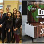 Slovenskí študenti predstavili v Bruseli originálny produkt – kávu na jedenie