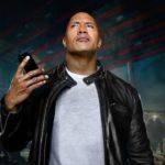 """The Rock vydal spolu s Apple """"najväčší, najcoolovejší, najsexistickejší a najzábavnejší film vôbec"""", v ktorom si zahral so Siri"""