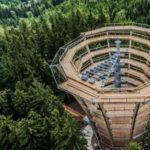 Už o pár dní otvoria v Česku najadrenalínovejší chodník. Má 45 metrov a výhľad, ktorý ťa dostane
