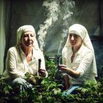 Mníška z Kalifornie rozbehla miliónový biznis vďaka predaju produktov z marihuany