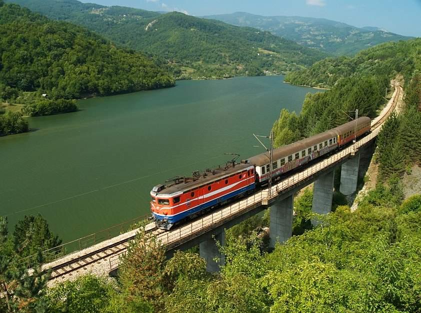 centrovanie vlakom