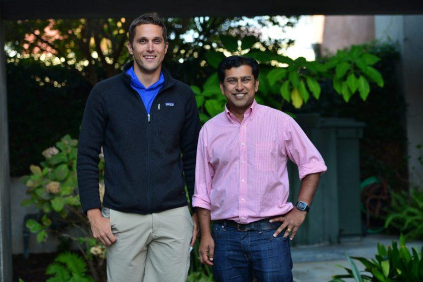 Shishir a Alex zakladatelia