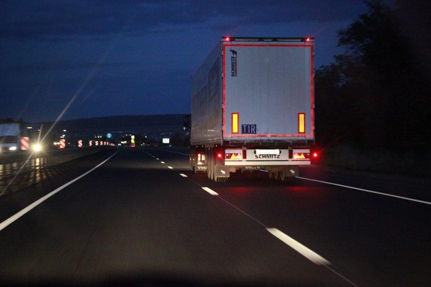 diaľnica večer