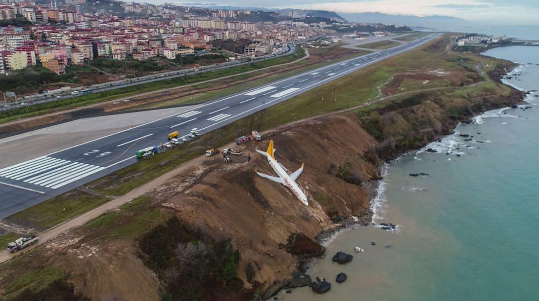 TOPSHOT-TURKEY-PLANE-ACCIDENT