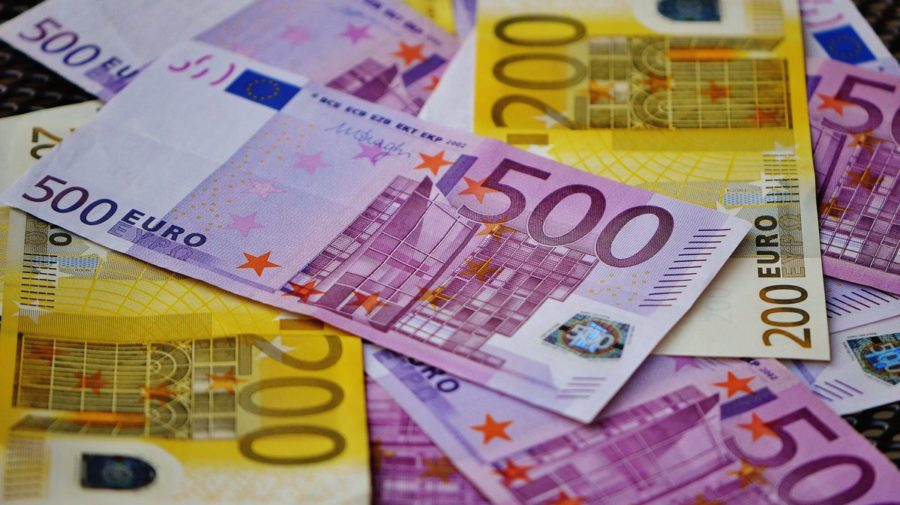 bank-notes-bills-cash-164537