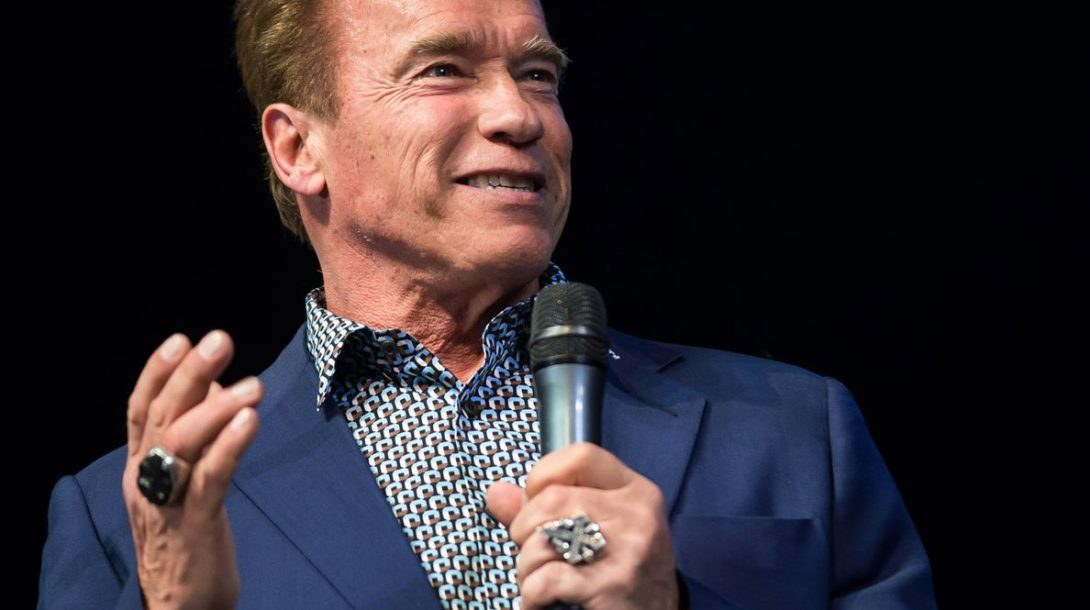 main-arnold-schwarzenegger-gives-workout-wisdom-to-lucky-reddit-user-