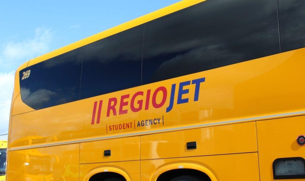 RegioJet-Irizar-i8-logo.jpg_688112182