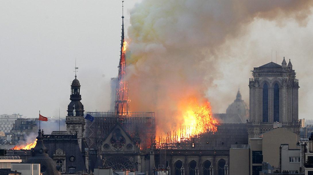 France_Notre_Dame_Fire071427608804