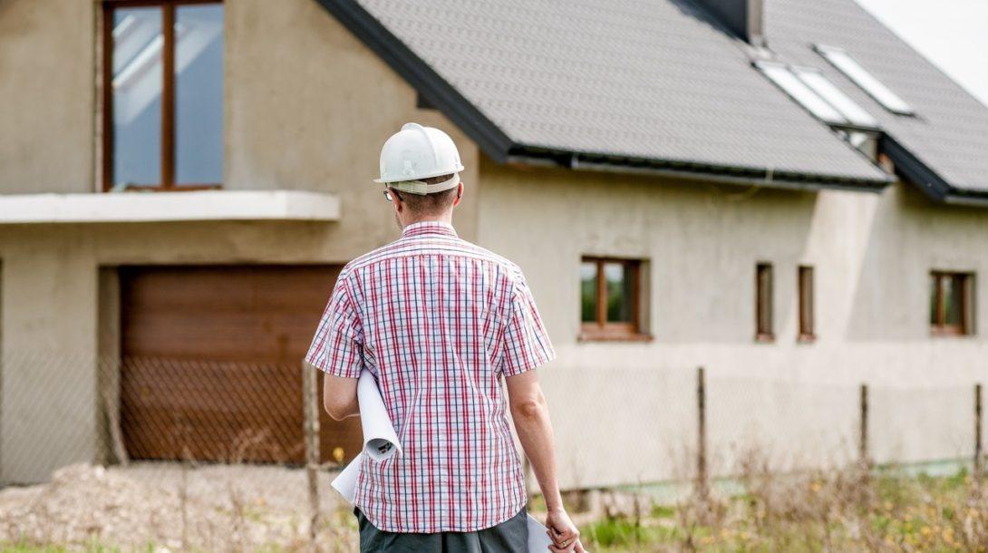 Úvery domácností na Slovensku klesajú.