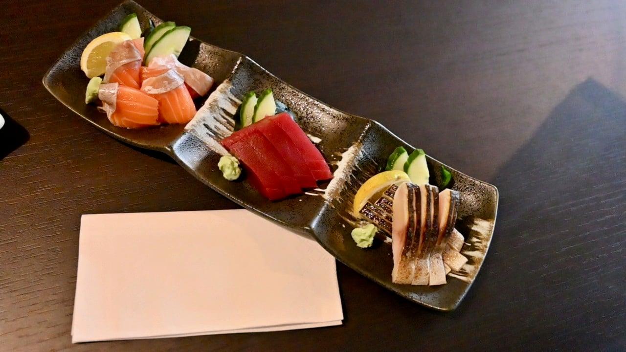 Sashimi set - losos, tuniak a nakladaná makrela