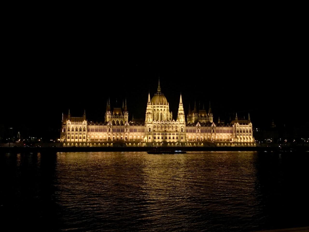 Budova parlamentu/ Startitup