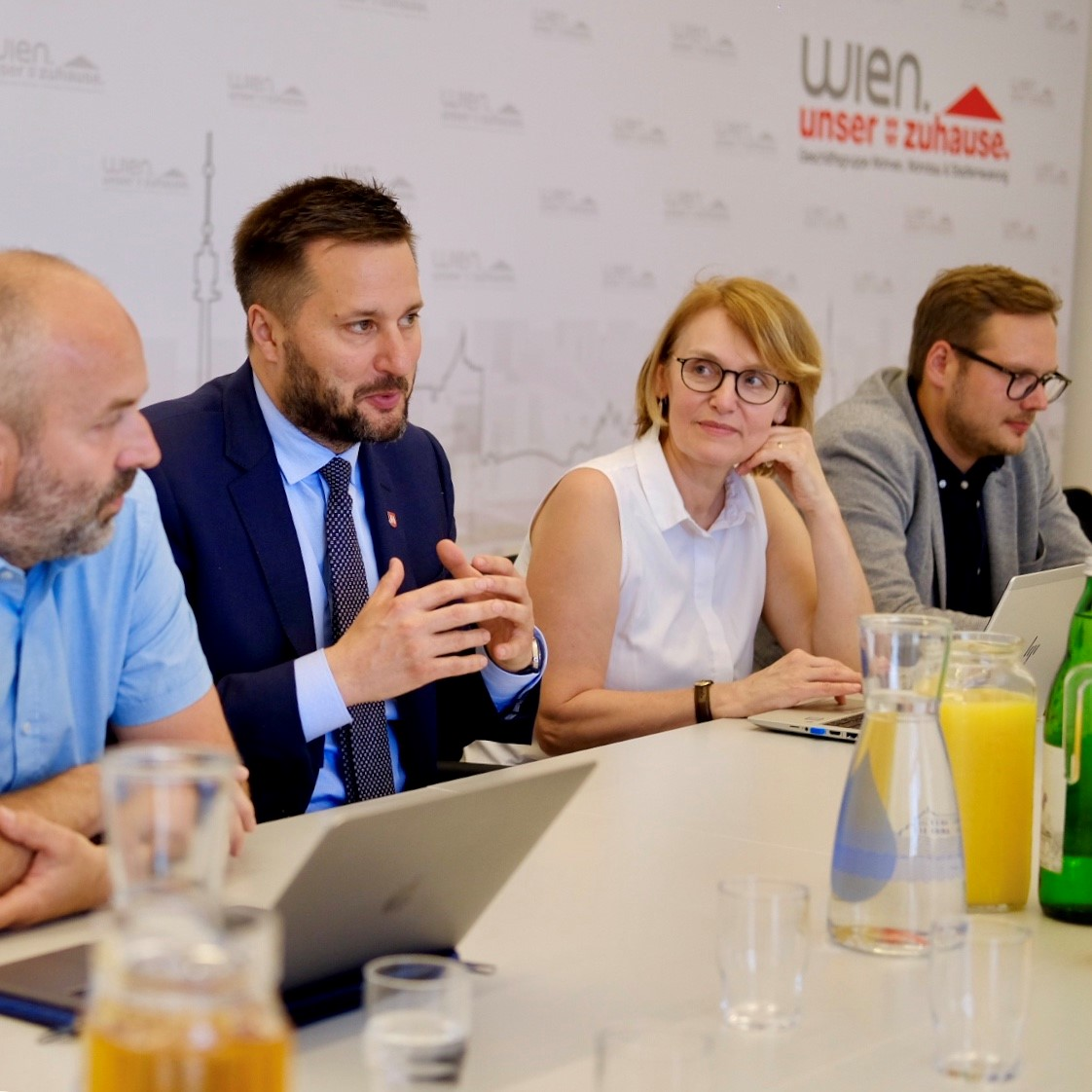 Matúš Vallo a Lucia Stasselová na stretnutí vo Viedni