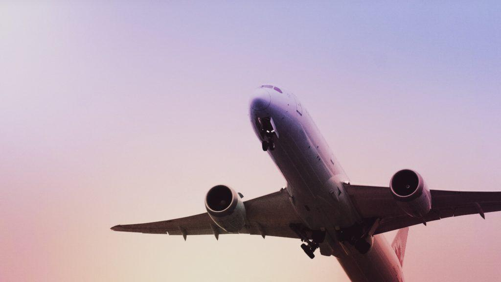 Výhody a nevýhody kúpy letenky v tomto čase
