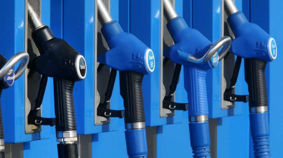 benzín, nafta, tankovanie, čerpacia stanica, benzínka