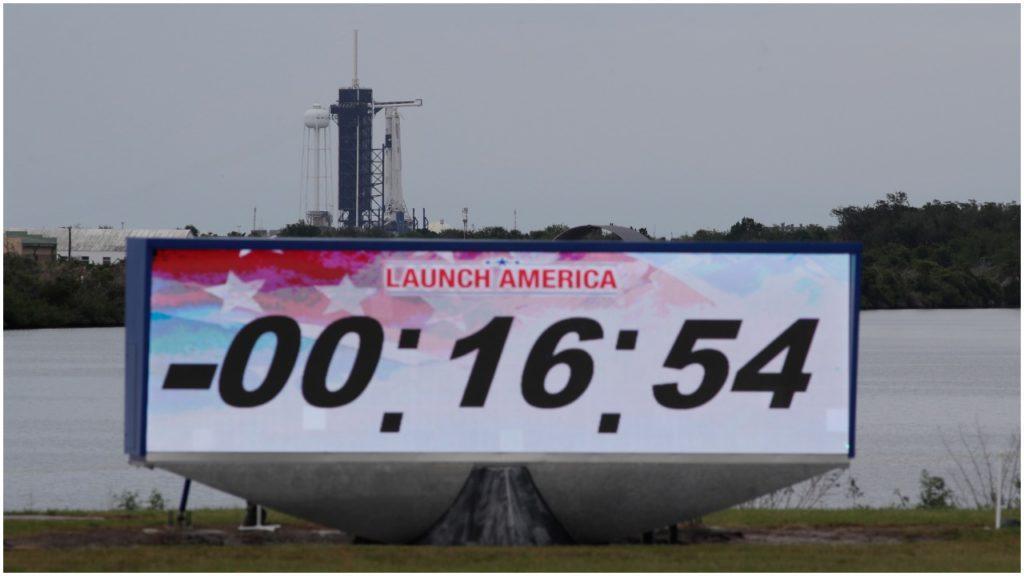 SpaceX štart svojej lode do vesmíru odložila