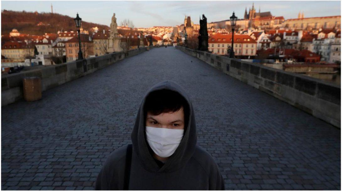 Praha Karlov most korona