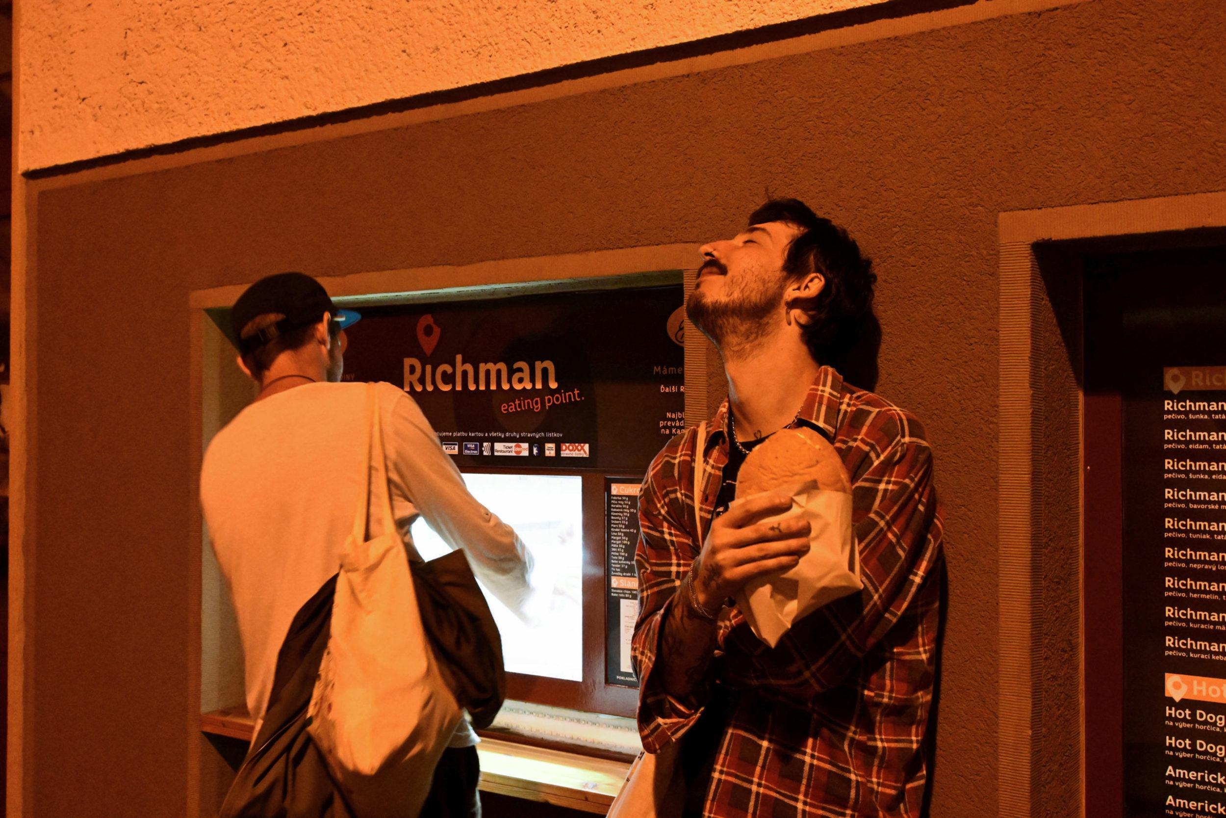 Richman fast food