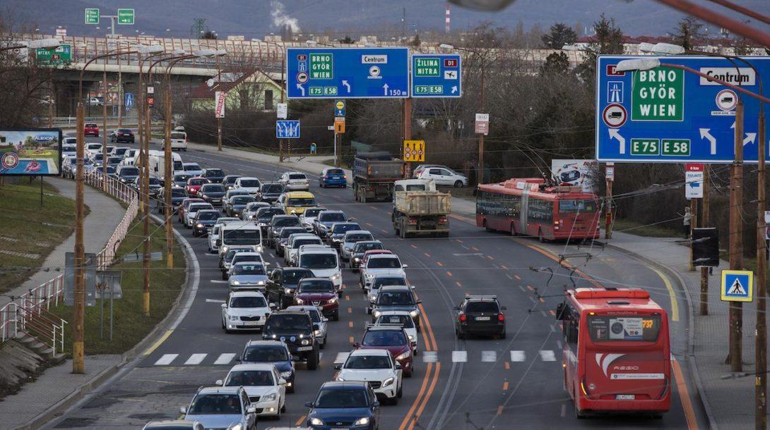 Bratislava, zápcha, dopravné obmedzenia