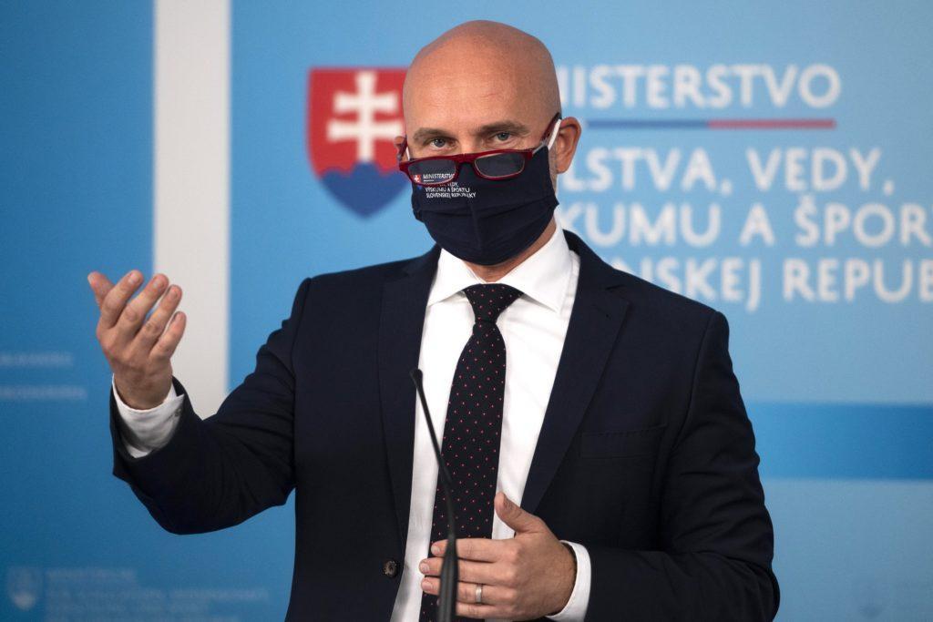 Minister školstva Branislav Gröhling
