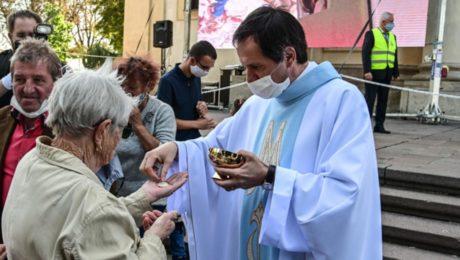 biskupi semafor bohosluzba omsa covid koronavirus