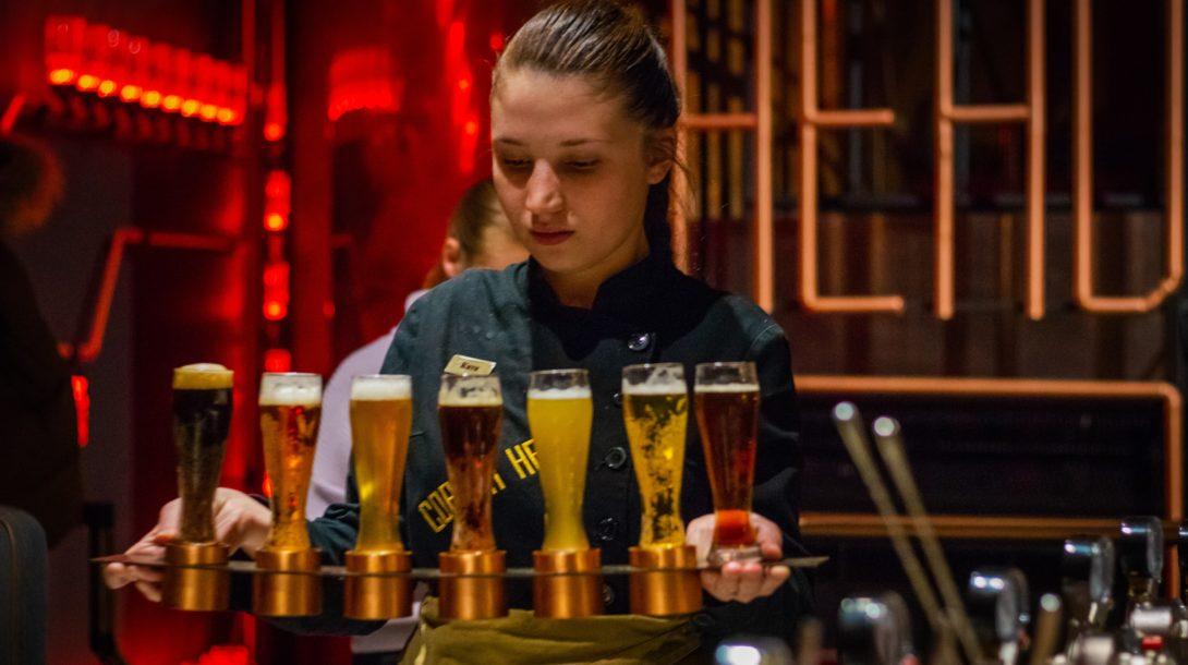 kyryll-ushakov-bar-barmanka