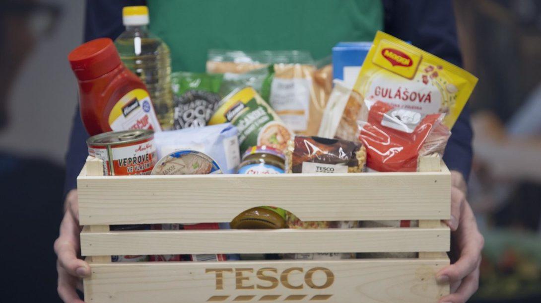TESCO Darovanie potravin 1