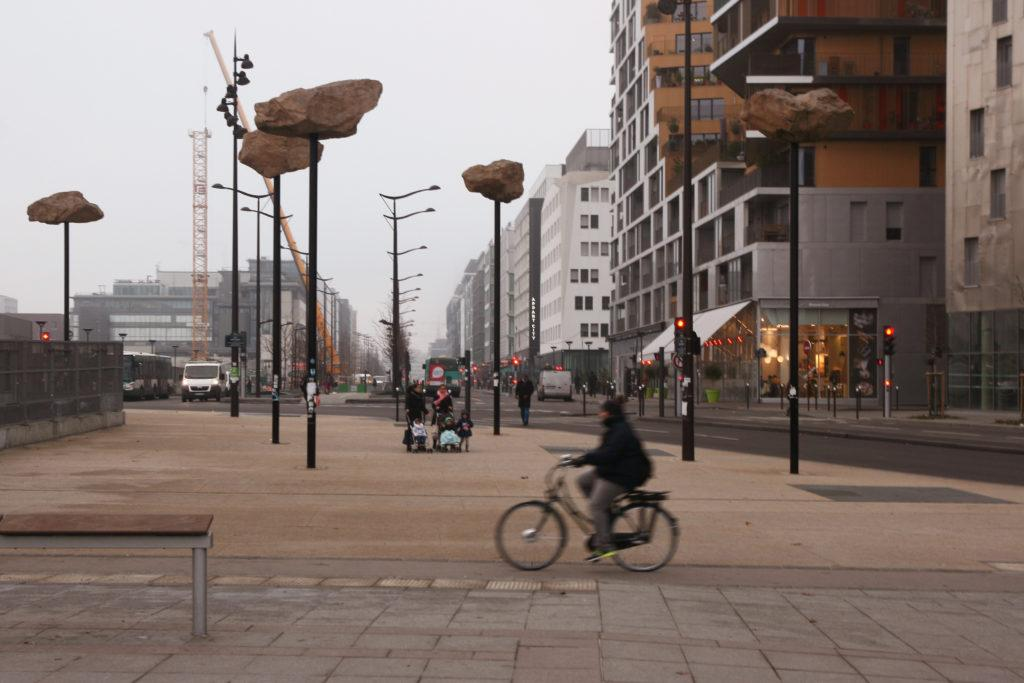 architektúra mesto ľudia