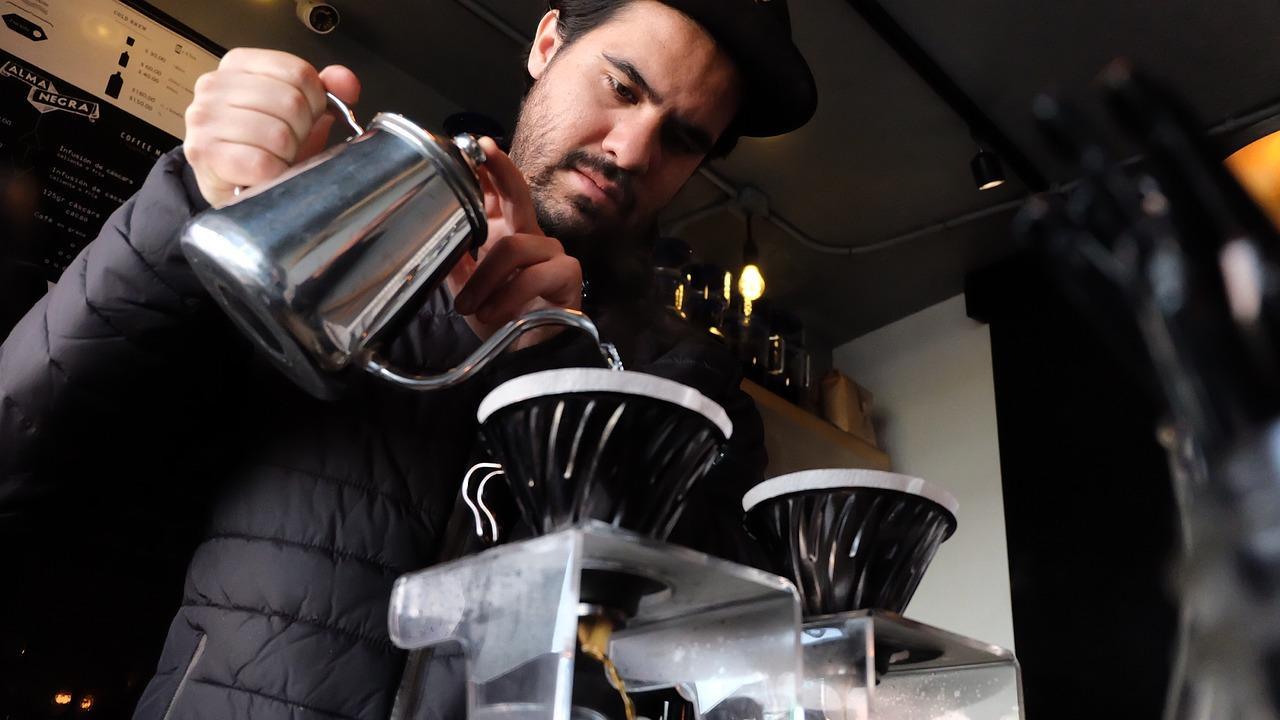 káva, kaviareň, barista