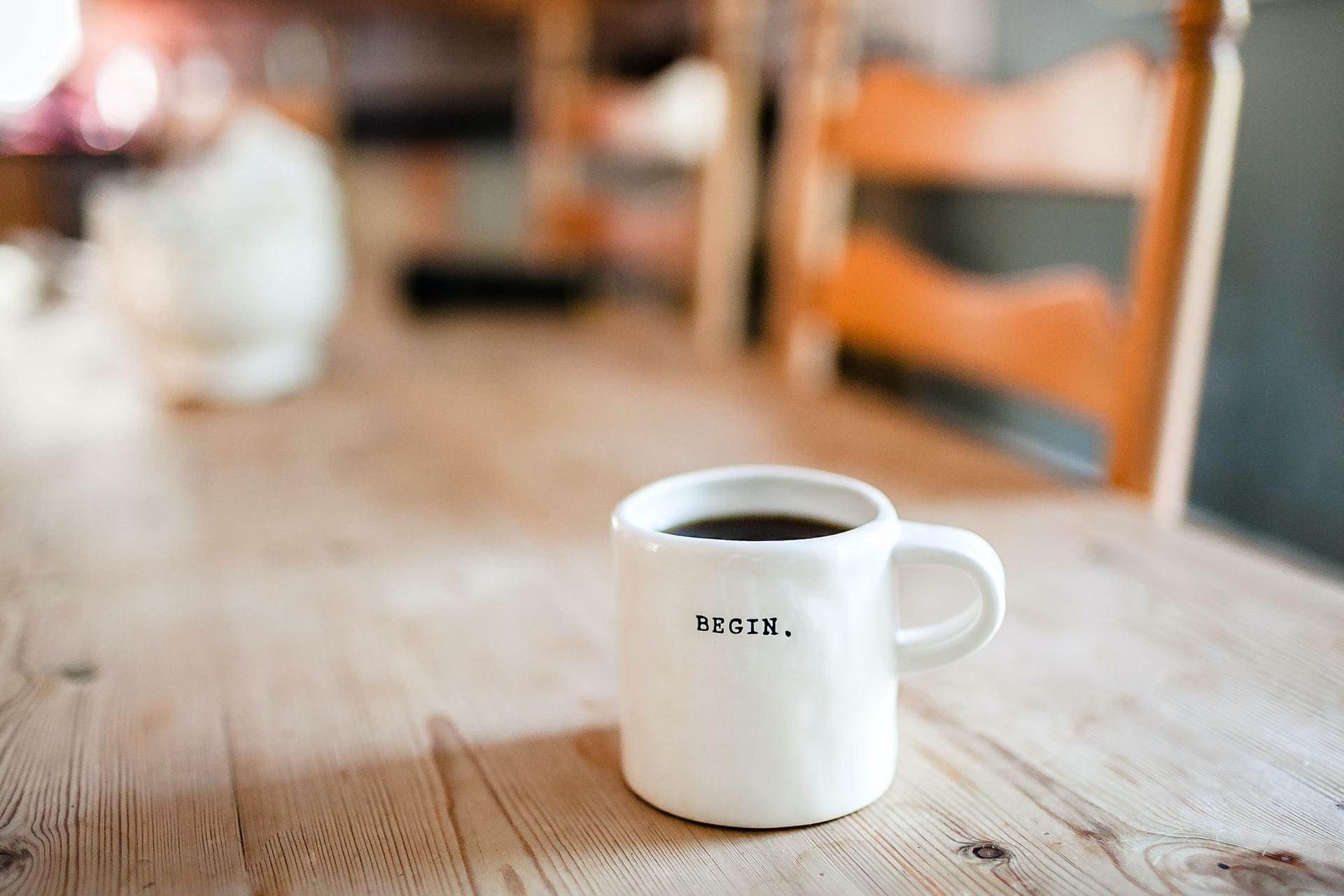 ráno káva šálka