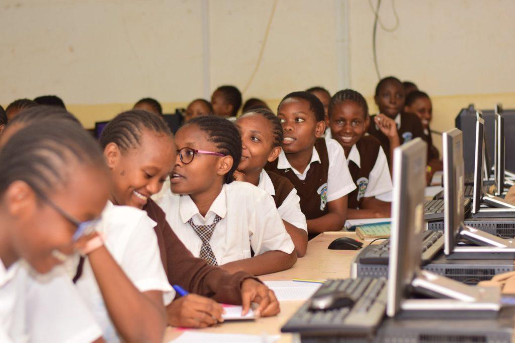 škola Keňa dievčatá programovanie