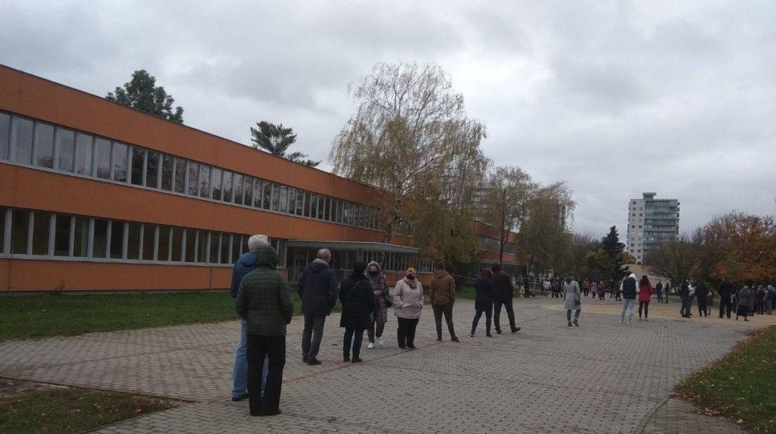 ZŠ Topoľová Nitra Slovensko testovanie covid-19