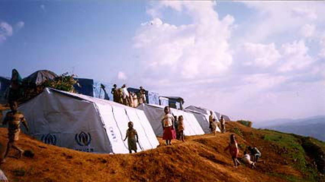 Rwanda paper tube shelters 1999