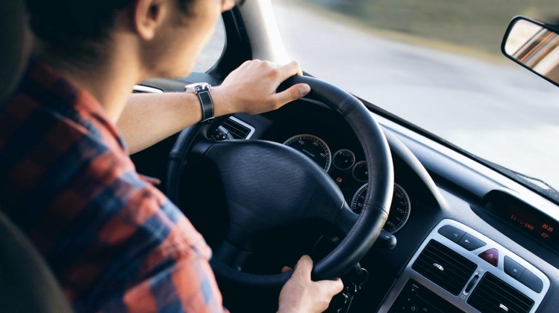 vodič, auto, rýchlosť