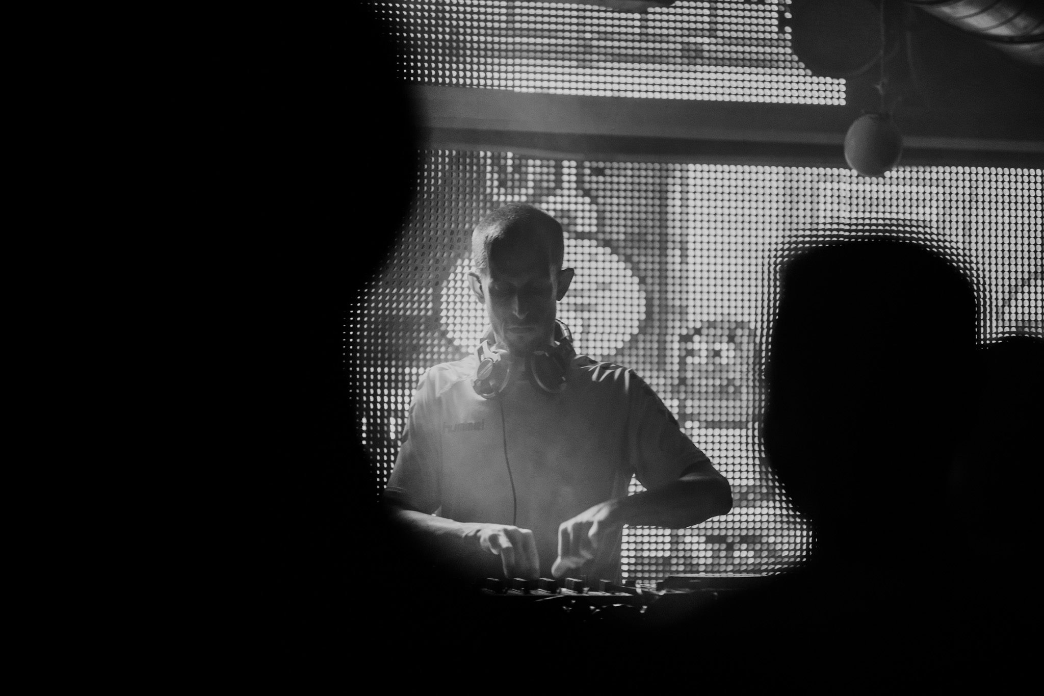 DJ Vesnu Roman Samotný, Tepláreň