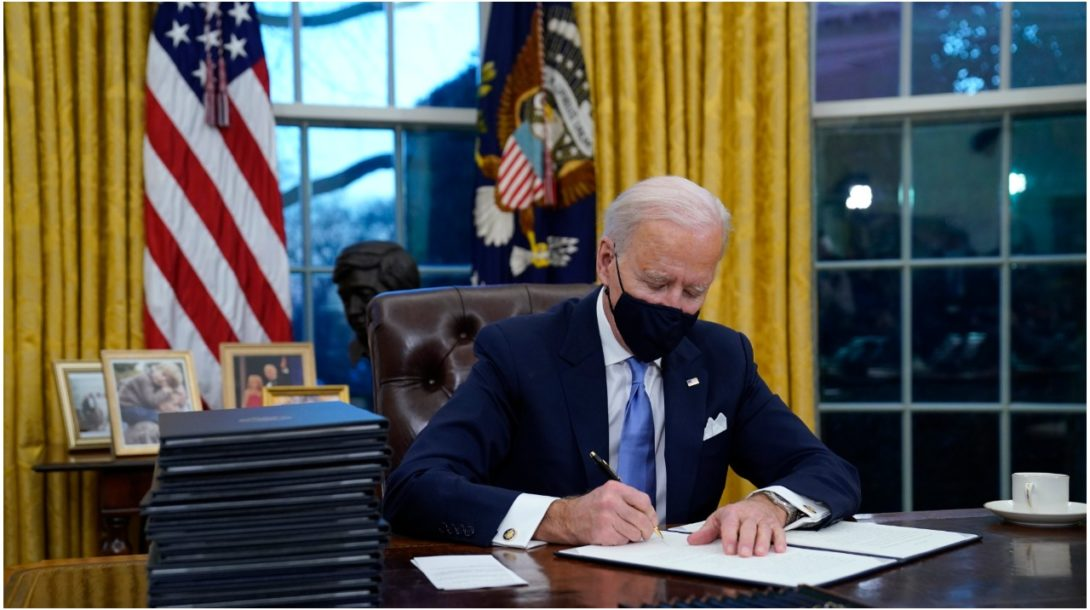 Biden Ovalná pracovňa