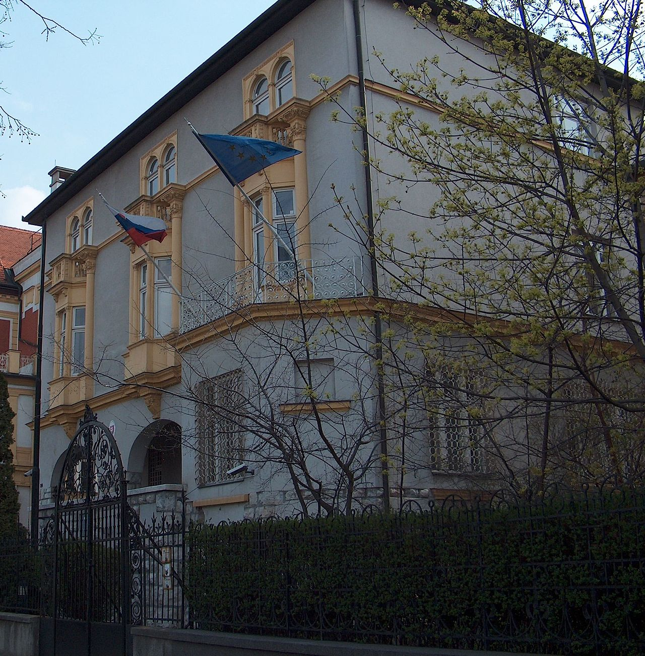 velvyslanectvo, diplomati, slovenský dom