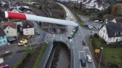 dron auto veterná elektráreň technológie