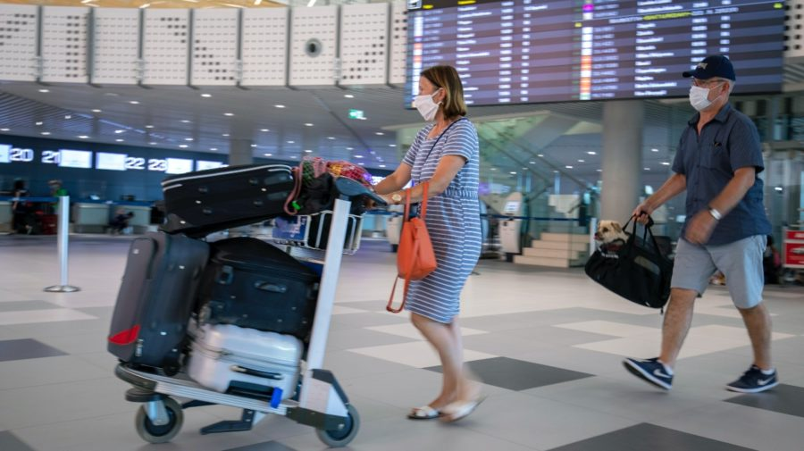 dovolenka, koronavírus, letisko