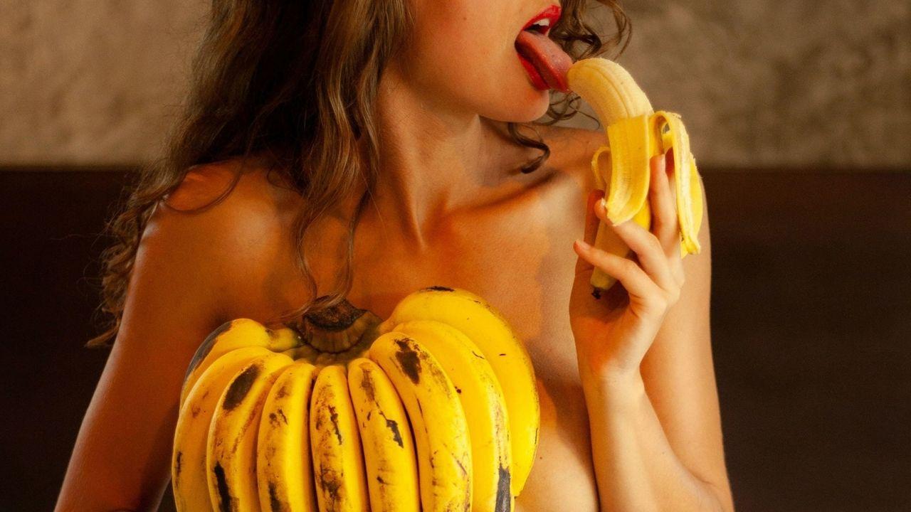 žena, banán