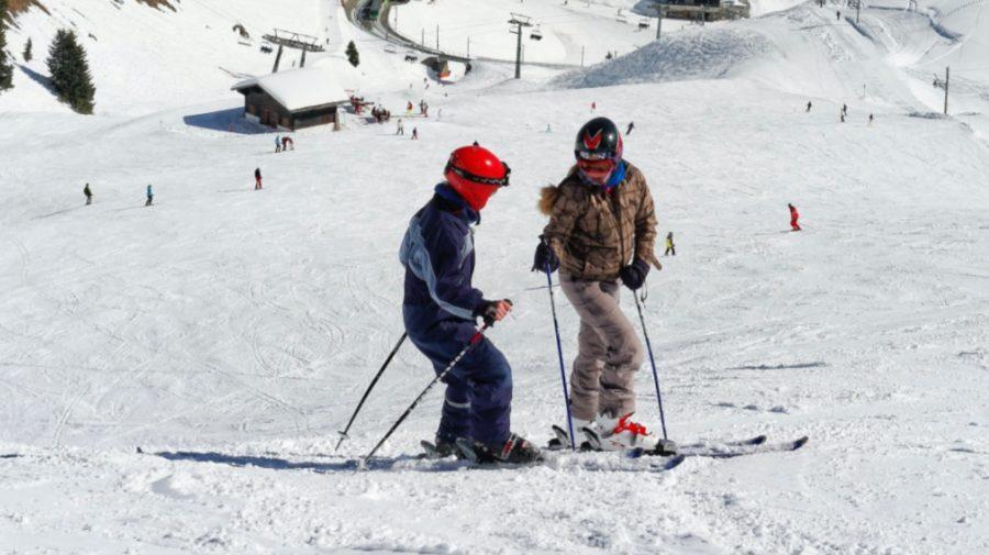 lyžovanie lyže zima