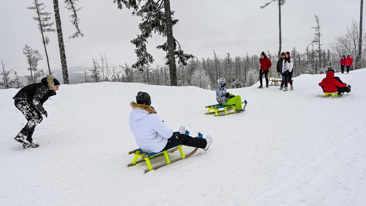 lyžovanie, sankovanie, sneh