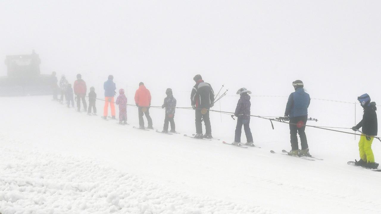lyzovanie, sneh