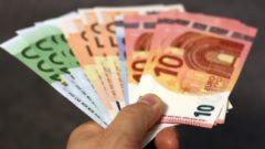 peniaze, eurá, ekonomika